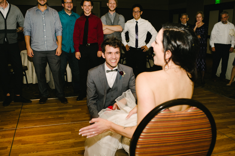 allison-inn-oregon-wedding-098.jpg