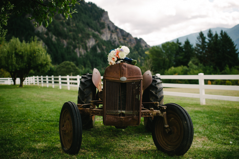 wind-mountain-ranch-washington-wedding-004.jpg