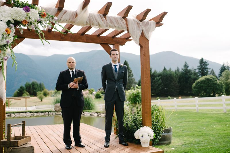 wind-mountain-ranch-washington-wedding-029.jpg
