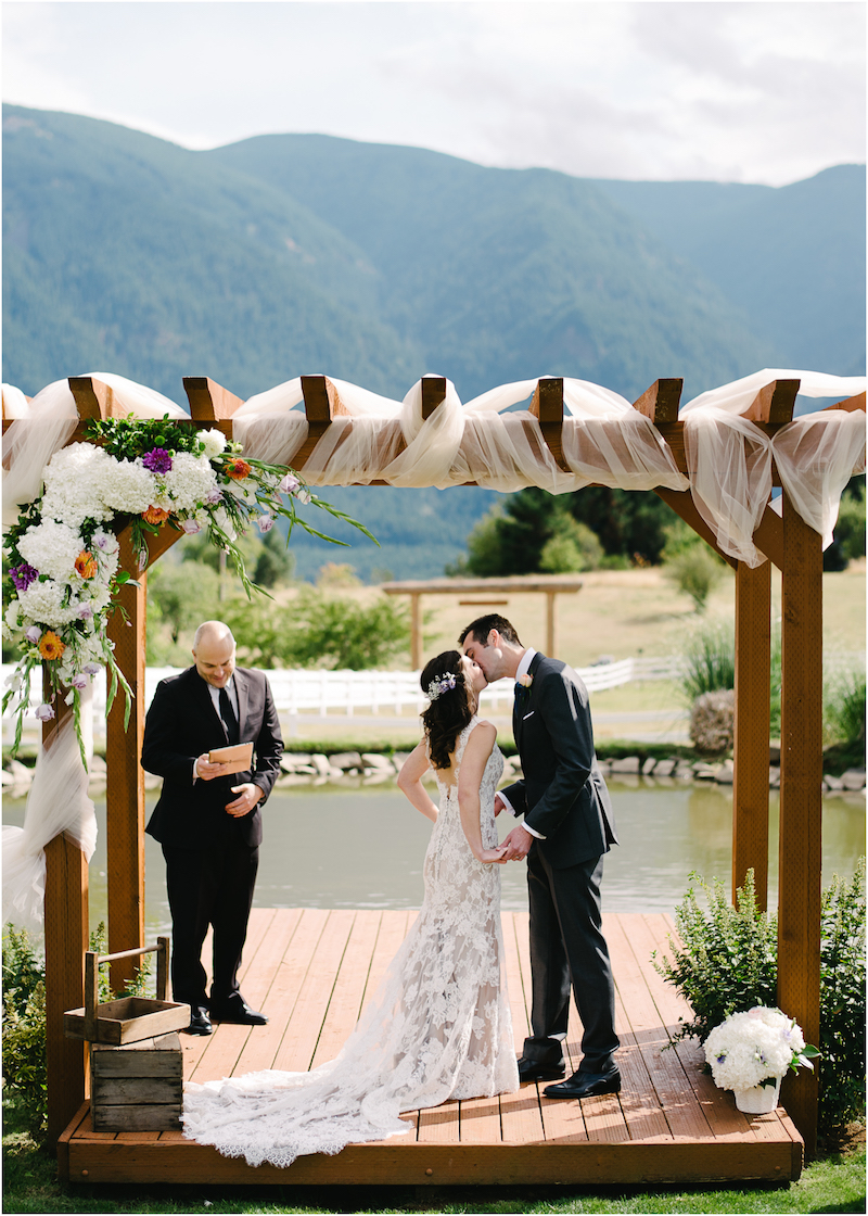 wind-mountain-ranch-washington-wedding-036a.jpg