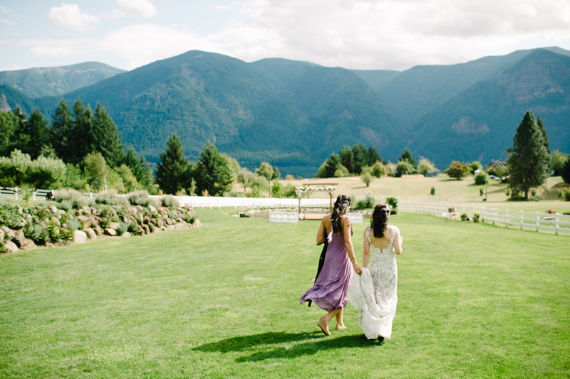 wind-mountain-ranch-washington-wedding-044.jpg