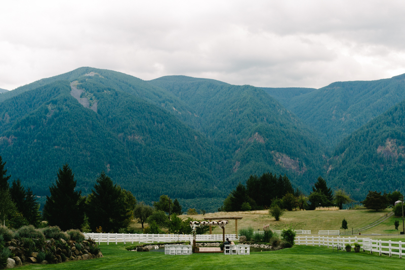 wind-mountain-ranch-washington-wedding-056.jpg