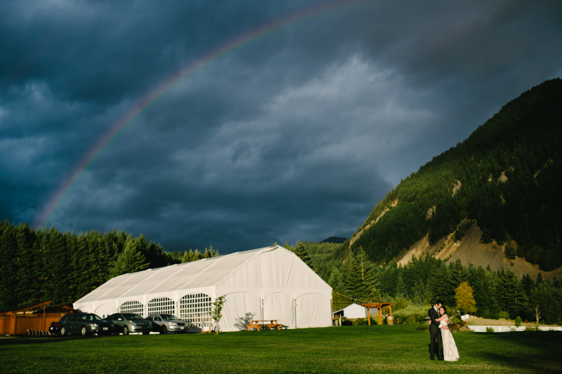 wind-mountain-ranch-washington-wedding-064.jpg