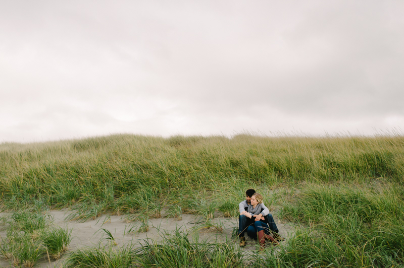 oregon-coast-seaside-engagement-09.jpg