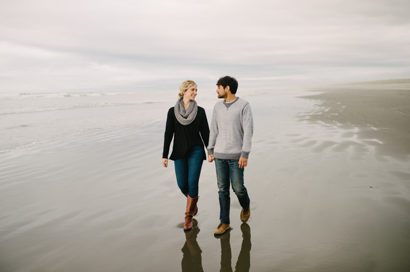oregon-coast-seaside-engagement-13.jpg