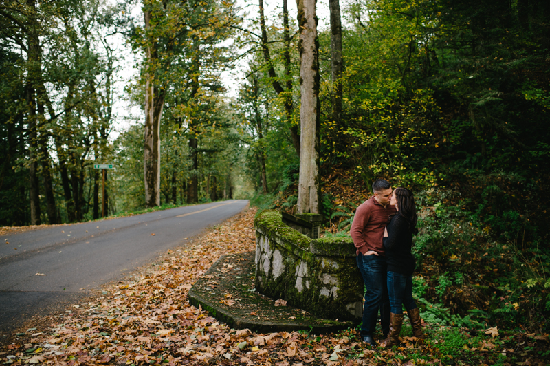 latourell-falls-oregon-engagement-009.jpg