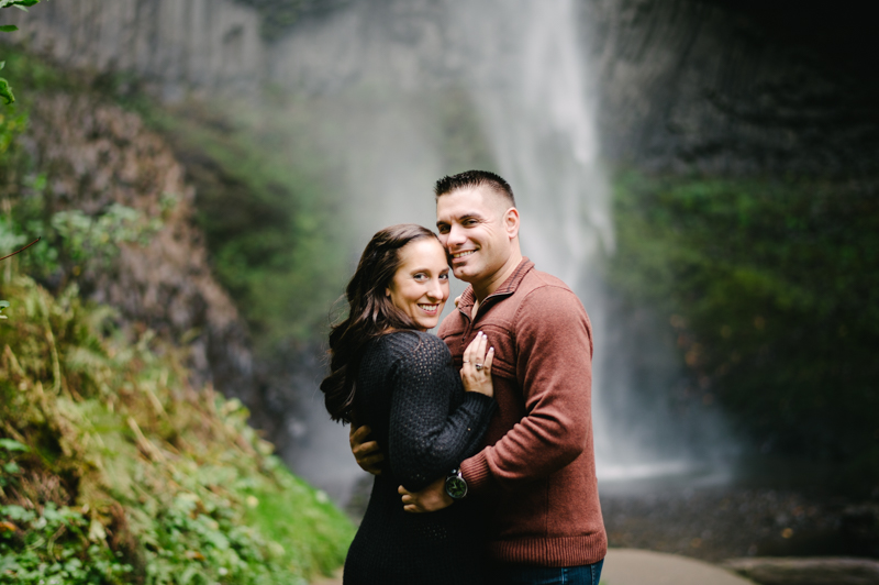 latourell-falls-oregon-engagement-015.jpg
