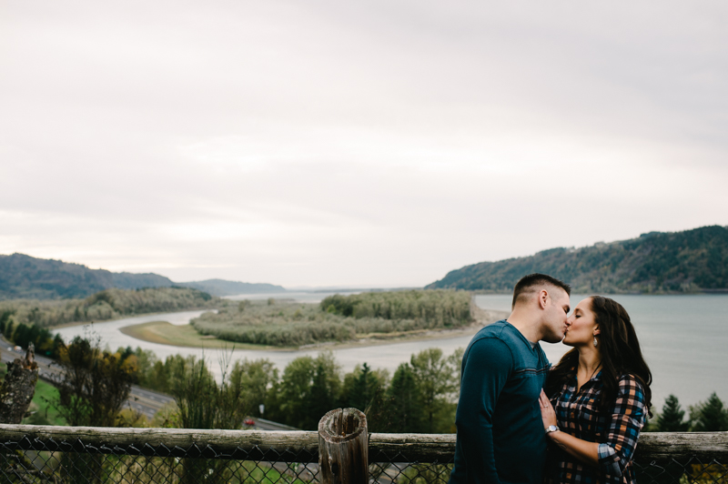 latourell-falls-oregon-engagement-024.jpg