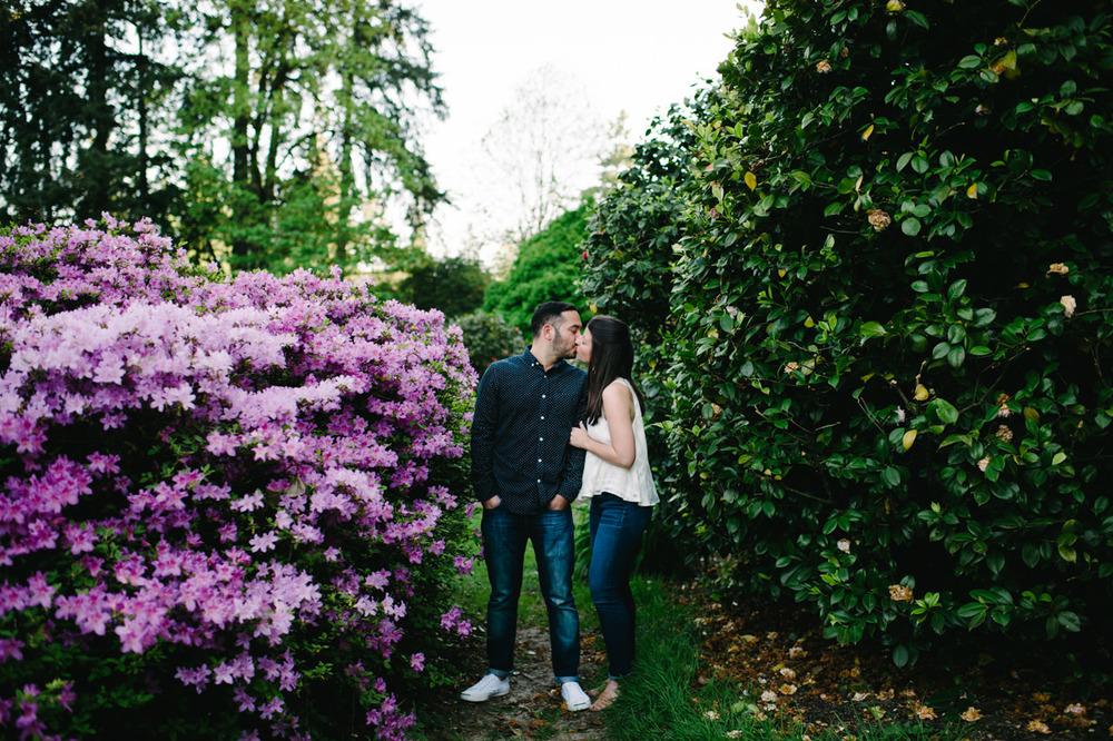 rose-test-garden-portland-engagement-10.jpg