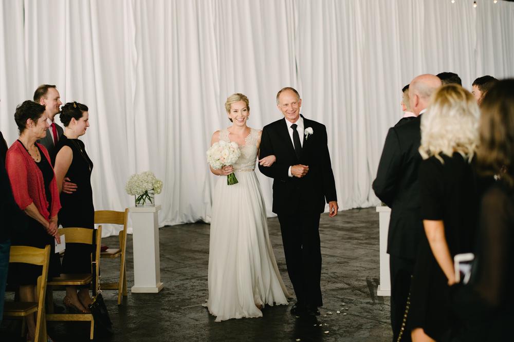 leftbank-annex-portland-urban-wedding-051.jpg
