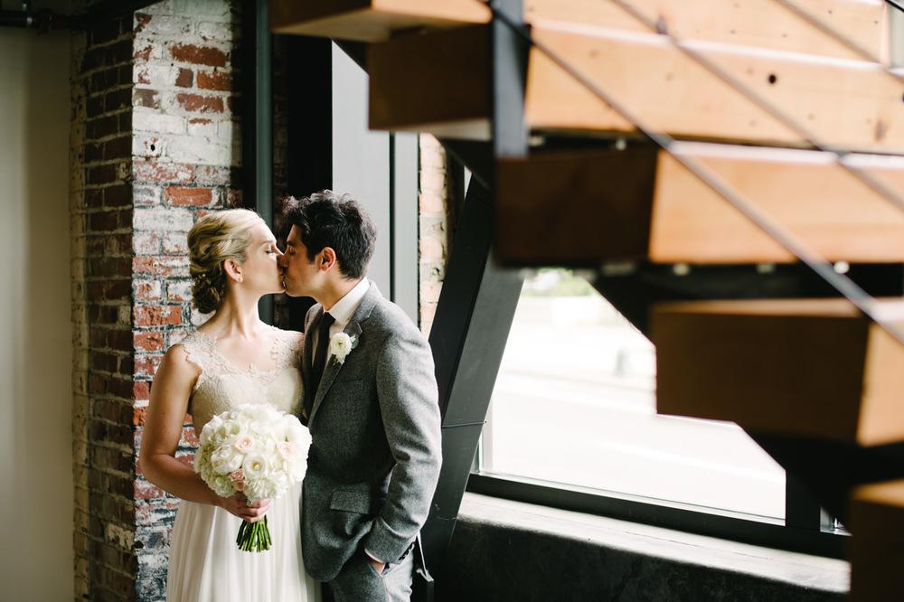 leftbank-annex-portland-urban-wedding-076.jpg