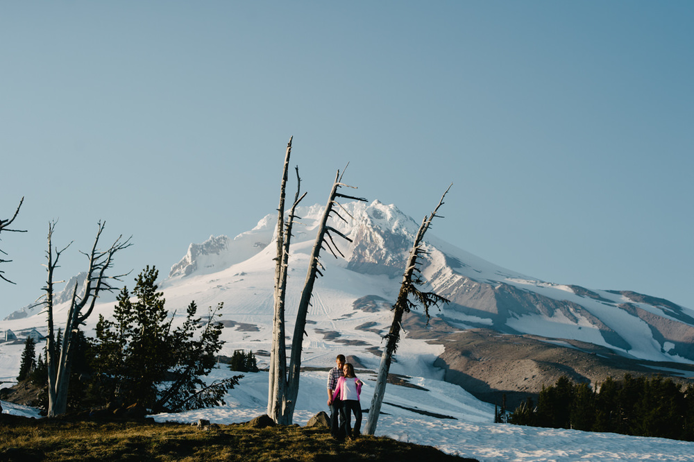 timberline-lodge-oregon-engagement-019.jpg