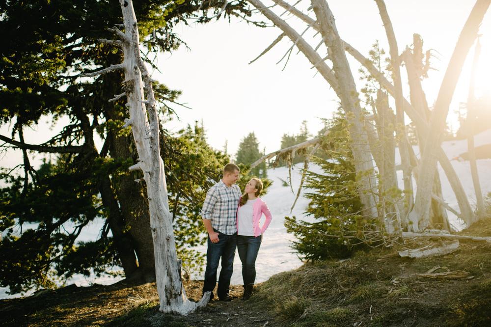 timberline-lodge-oregon-engagement-020.jpg