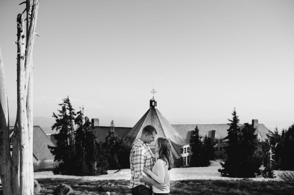 timberline-lodge-oregon-engagement-026.jpg