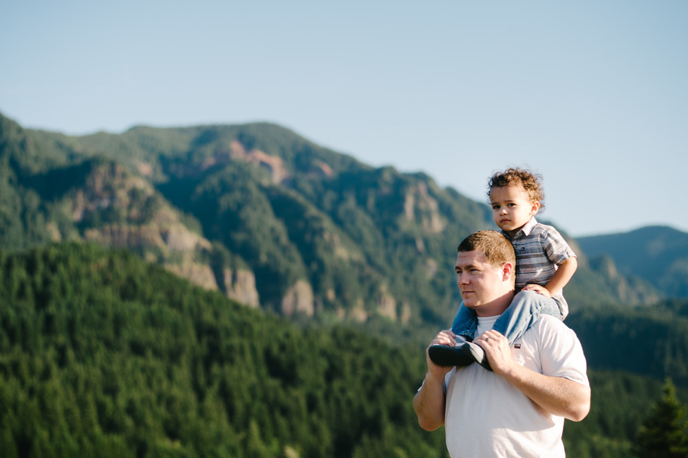 columbia-gorge-family-photographs-maternity-13.jpg