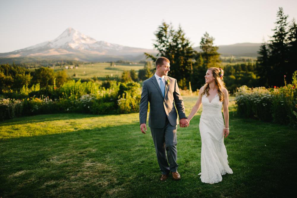 oregon-mt-hood-organic-farms-wedding-101.jpg