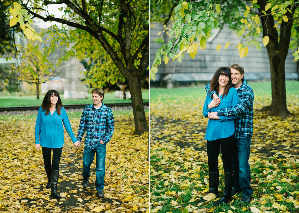 fall-cathedral-park-engagement-02.jpg