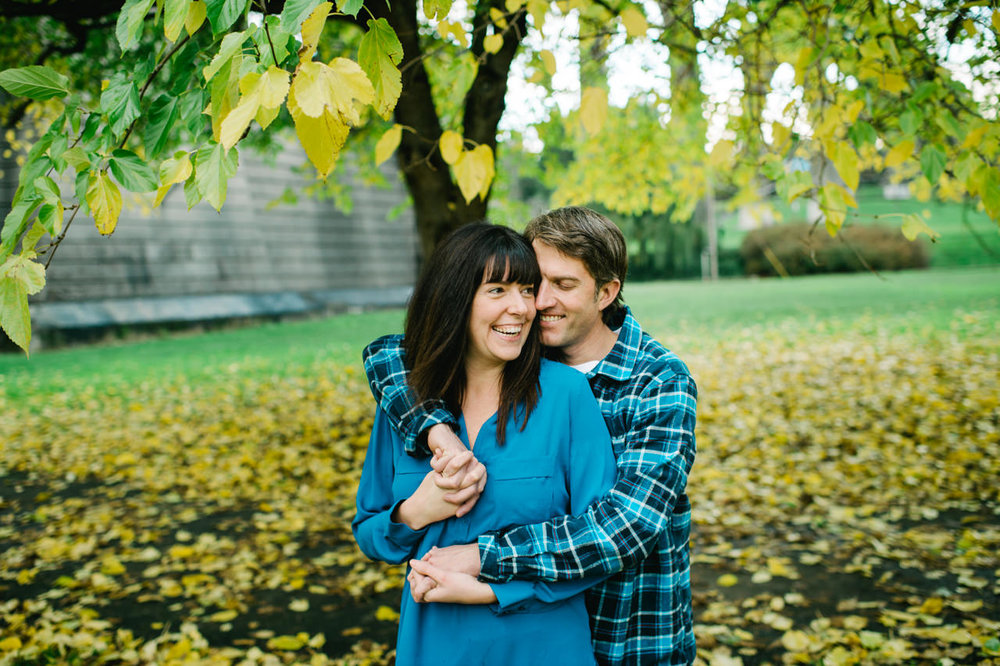 fall-cathedral-park-engagement-08.jpg