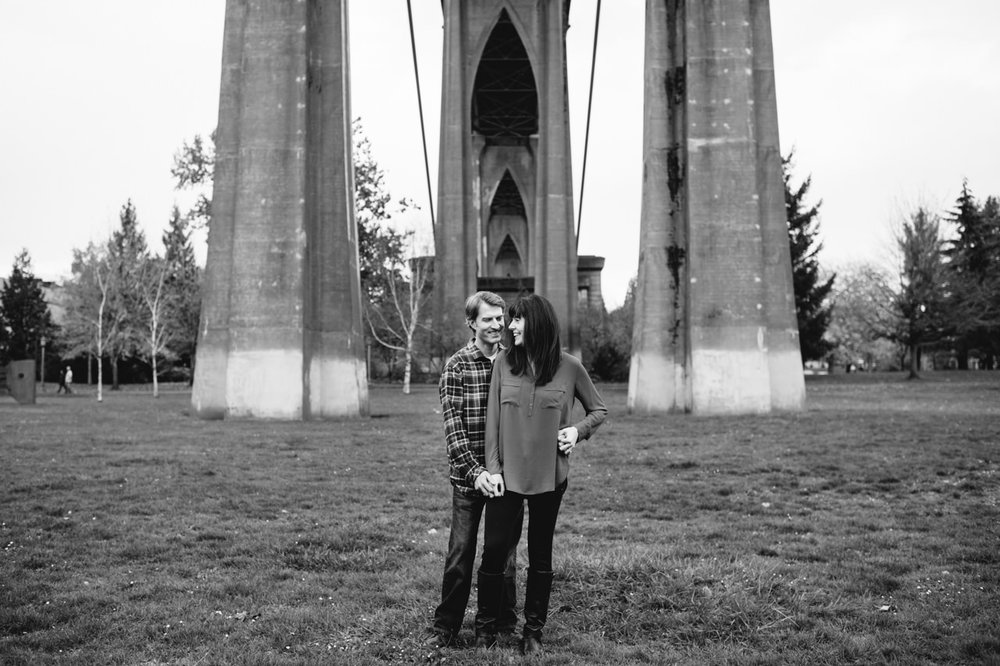 fall-cathedral-park-engagement-14.jpg