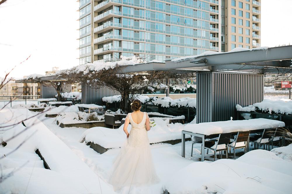portland-winter-snow-wedding-002a.jpg
