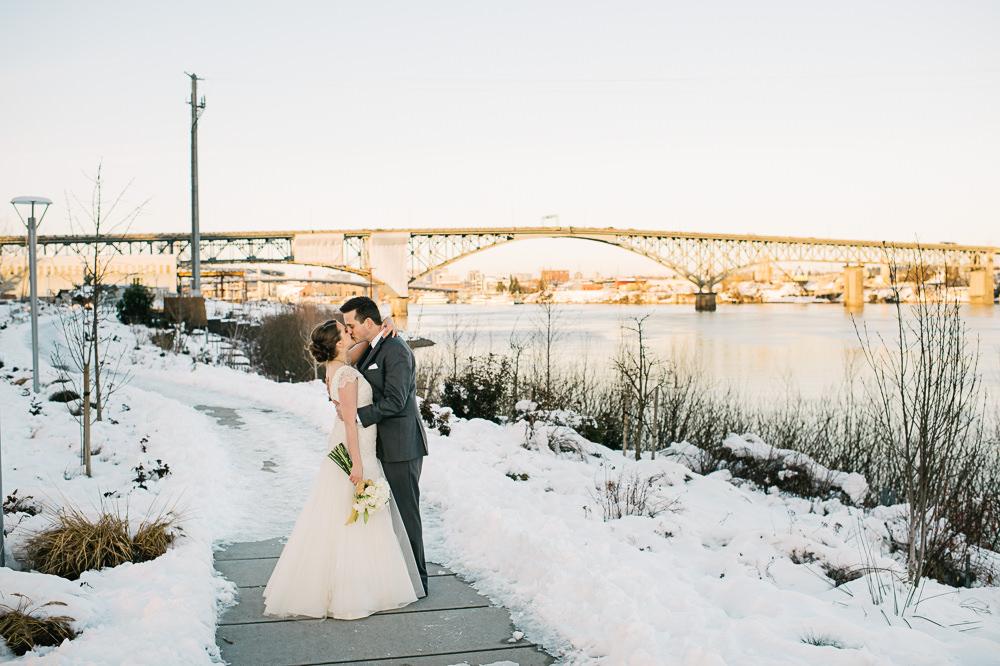 portland-winter-snow-wedding-027a.jpg