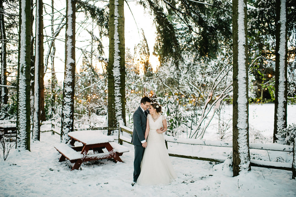 portland-winter-snow-wedding-031.jpg