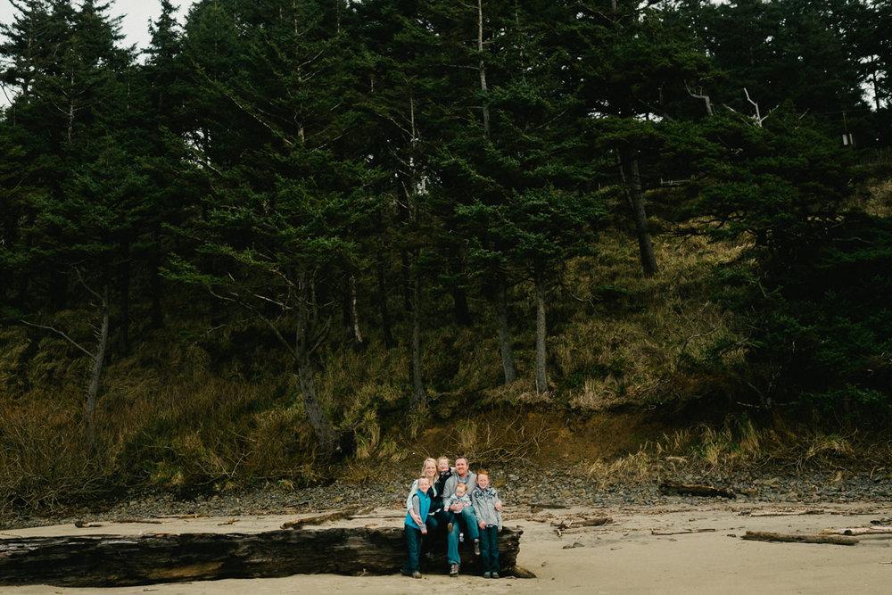 cannon-beach-arch-cape-oregon-family-photos-012.jpg