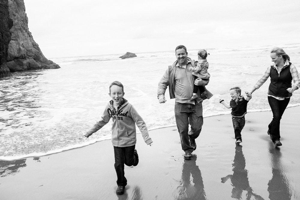 cannon-beach-arch-cape-oregon-family-photos-030.jpg