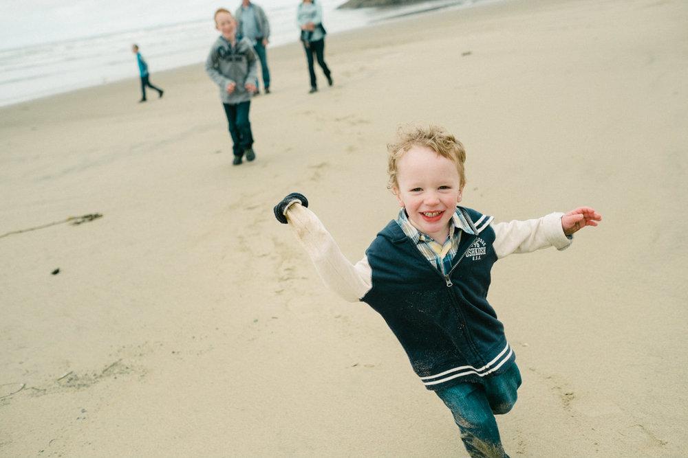 cannon-beach-arch-cape-oregon-family-photos-037.jpg