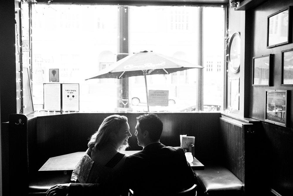 portland-engagement-downtown-09.jpg