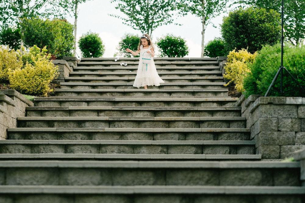 aurora-colony-vineyards-wedding-oregon-036.jpg
