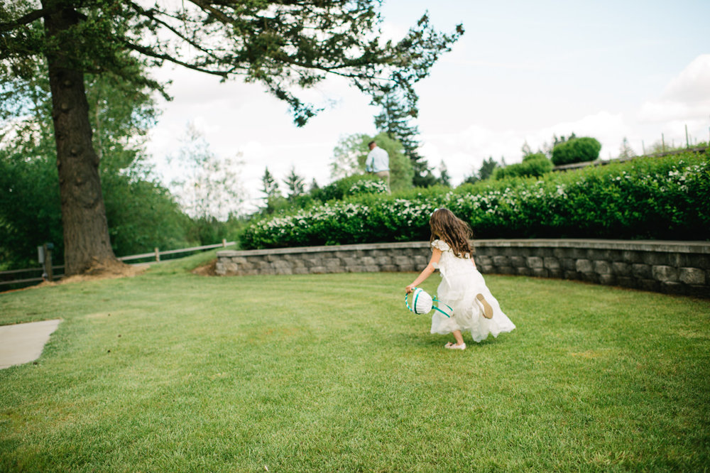 aurora-colony-vineyards-wedding-oregon-038.jpg