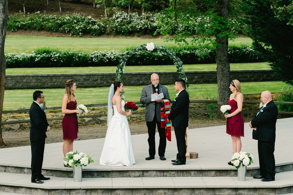 aurora-colony-vineyards-wedding-oregon-039.jpg