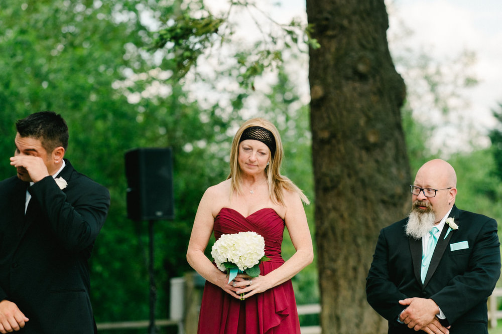 aurora-colony-vineyards-wedding-oregon-040.jpg