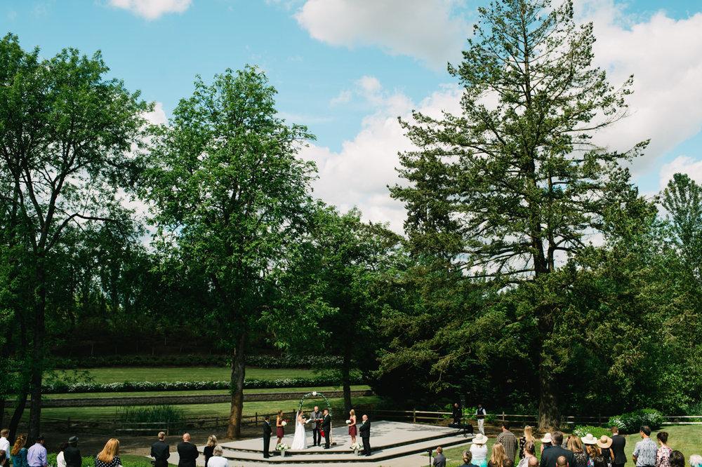 aurora-colony-vineyards-wedding-oregon-042.jpg