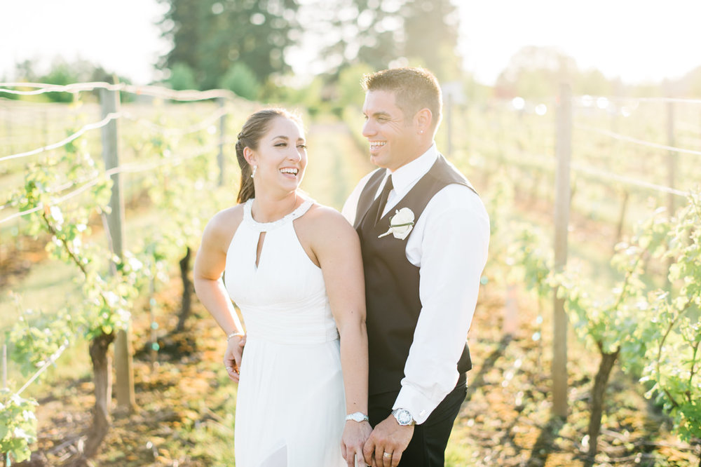 aurora-colony-vineyards-wedding-oregon-078.jpg