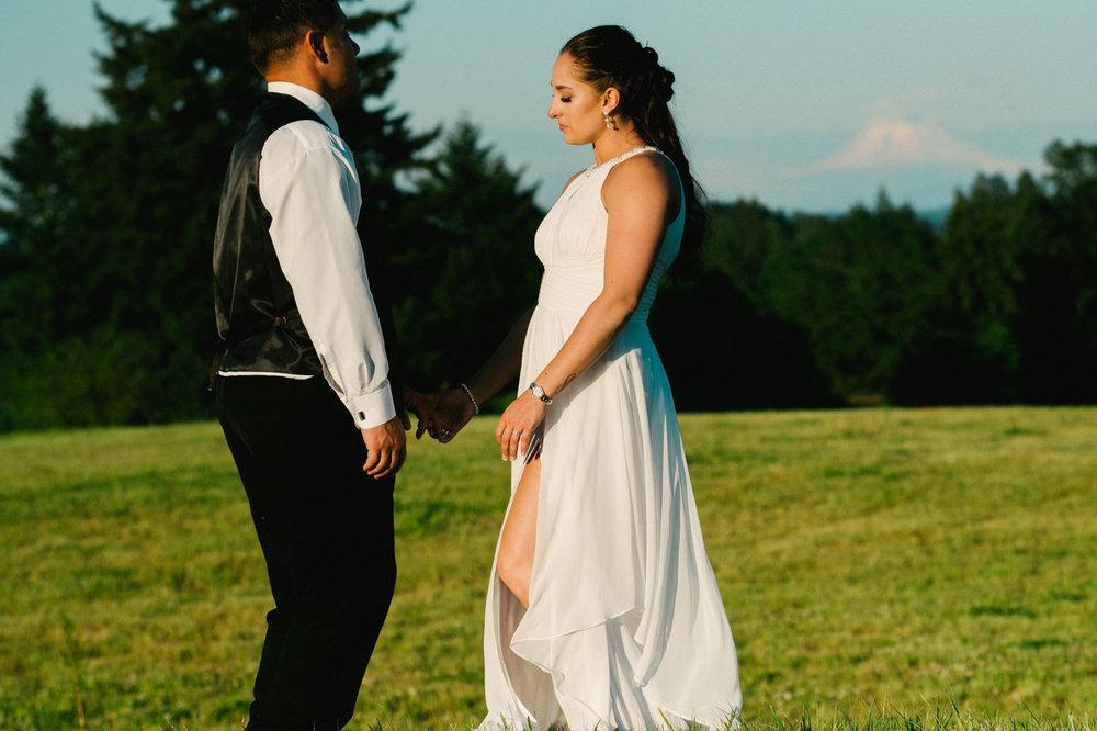aurora-colony-vineyards-wedding-oregon-079.jpg