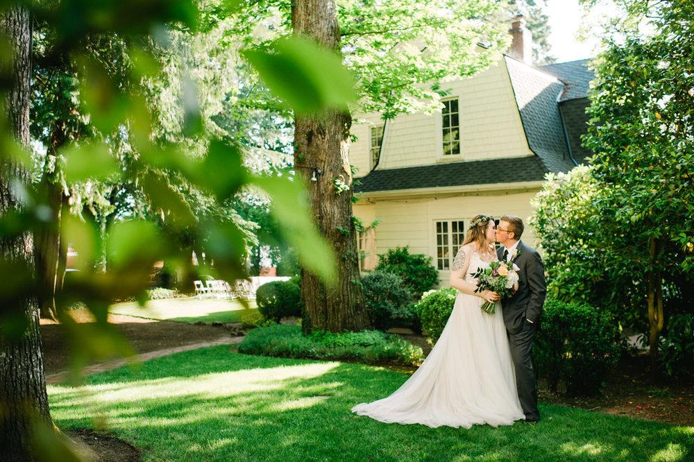 grey-gables-estate-portland-wedding-076.jpg