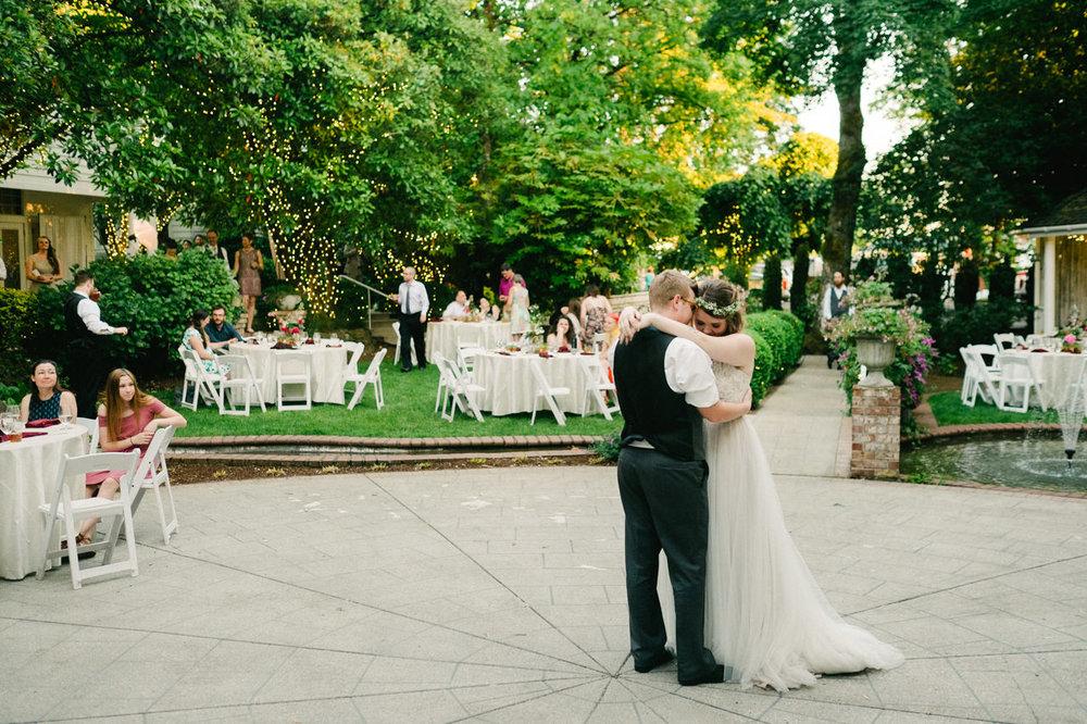 grey-gables-estate-portland-wedding-096.jpg