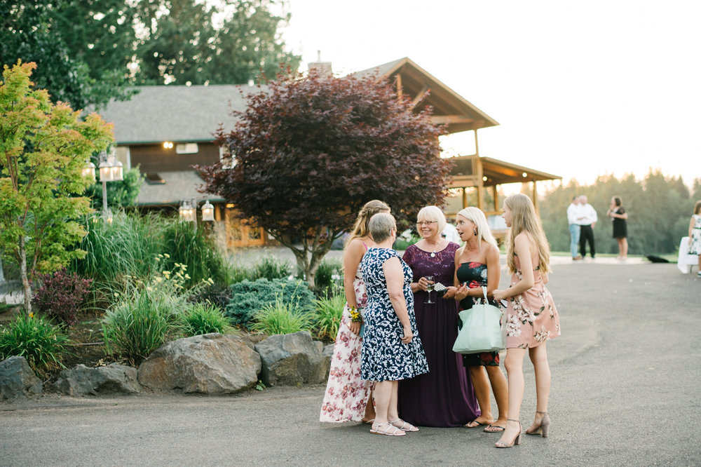 oregon-scholls-valley-lodge-wedding-109.jpg