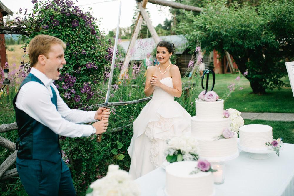 mt-hood-bed-breakfast-wedding-096.jpg
