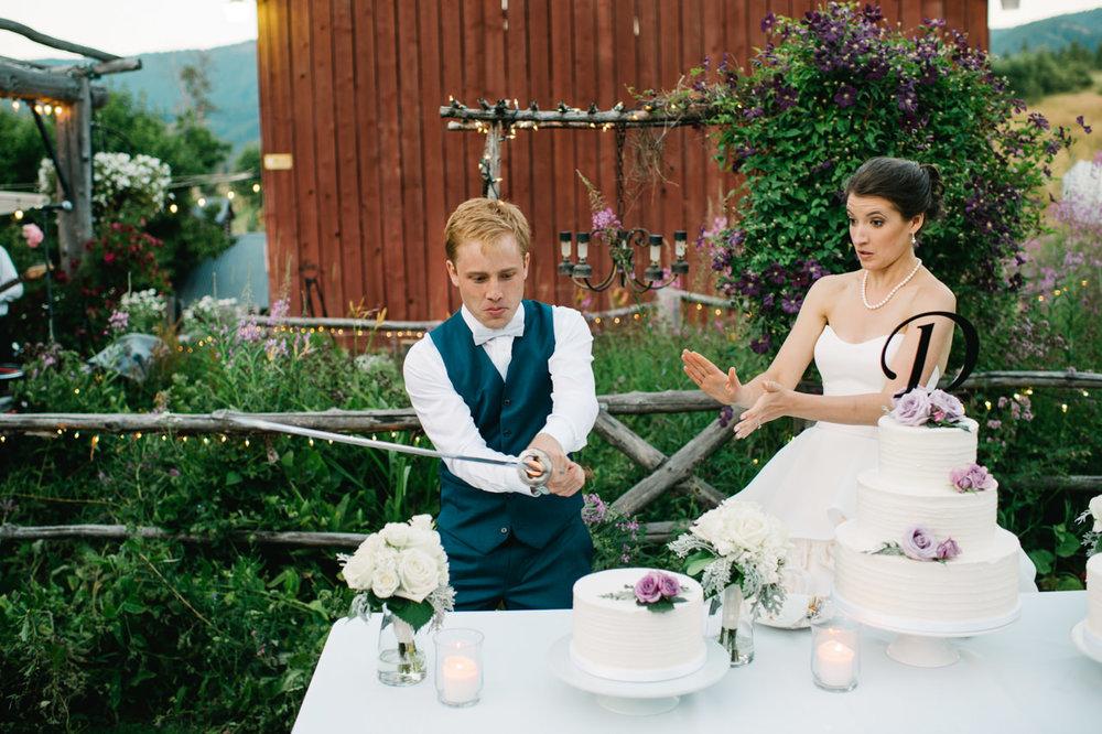 mt-hood-bed-breakfast-wedding-097.jpg