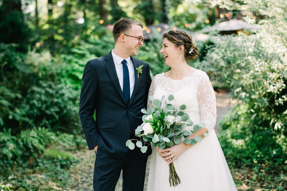 cornelius-pass-roadhouse-portland-wedding-040.jpg