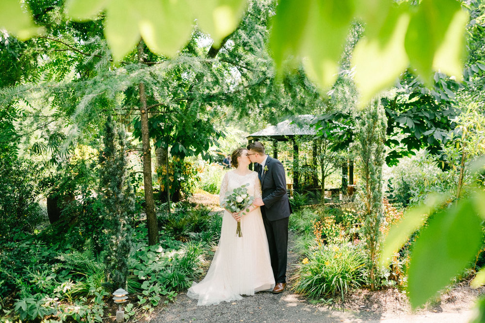 cornelius-pass-roadhouse-portland-wedding-041a.jpg