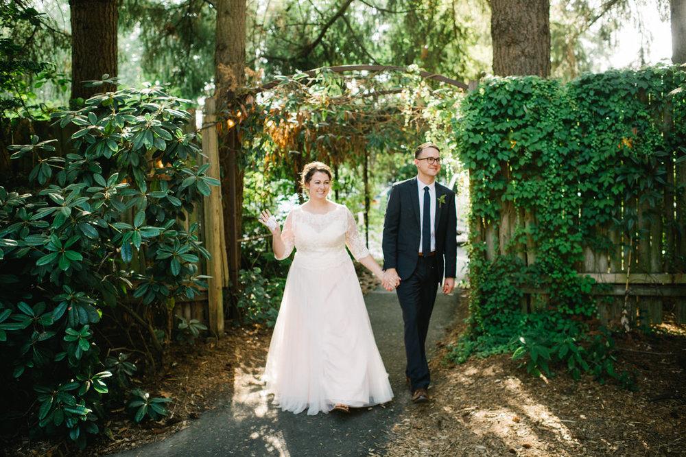 cornelius-pass-roadhouse-portland-wedding-064.jpg
