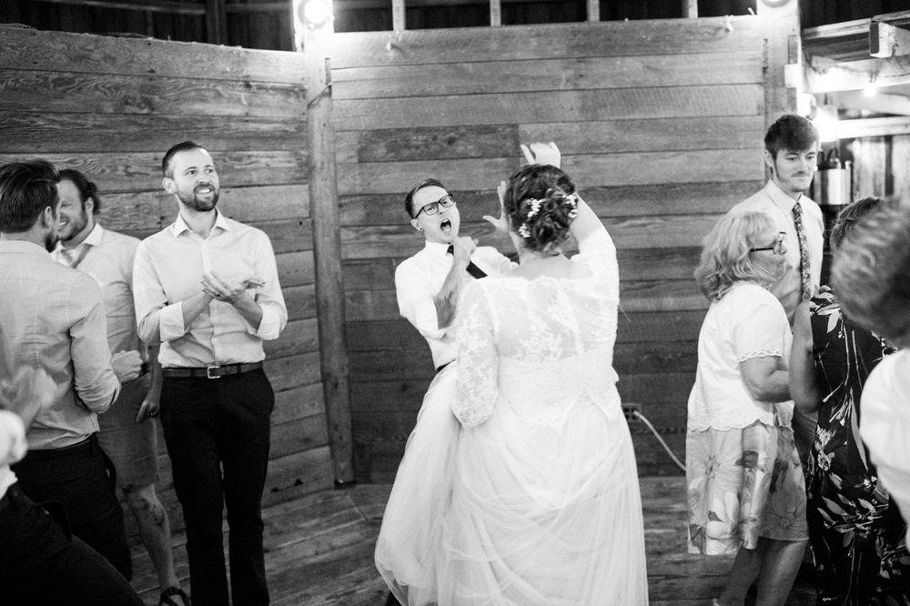 cornelius-pass-roadhouse-portland-wedding-100.jpg