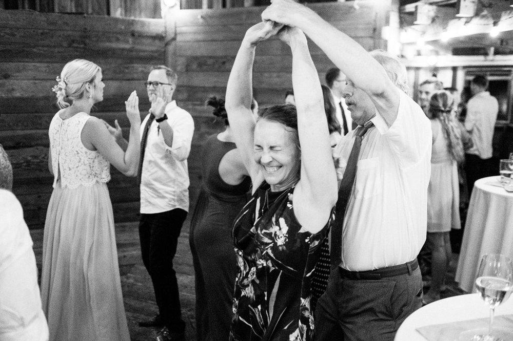 cornelius-pass-roadhouse-portland-wedding-129.jpg
