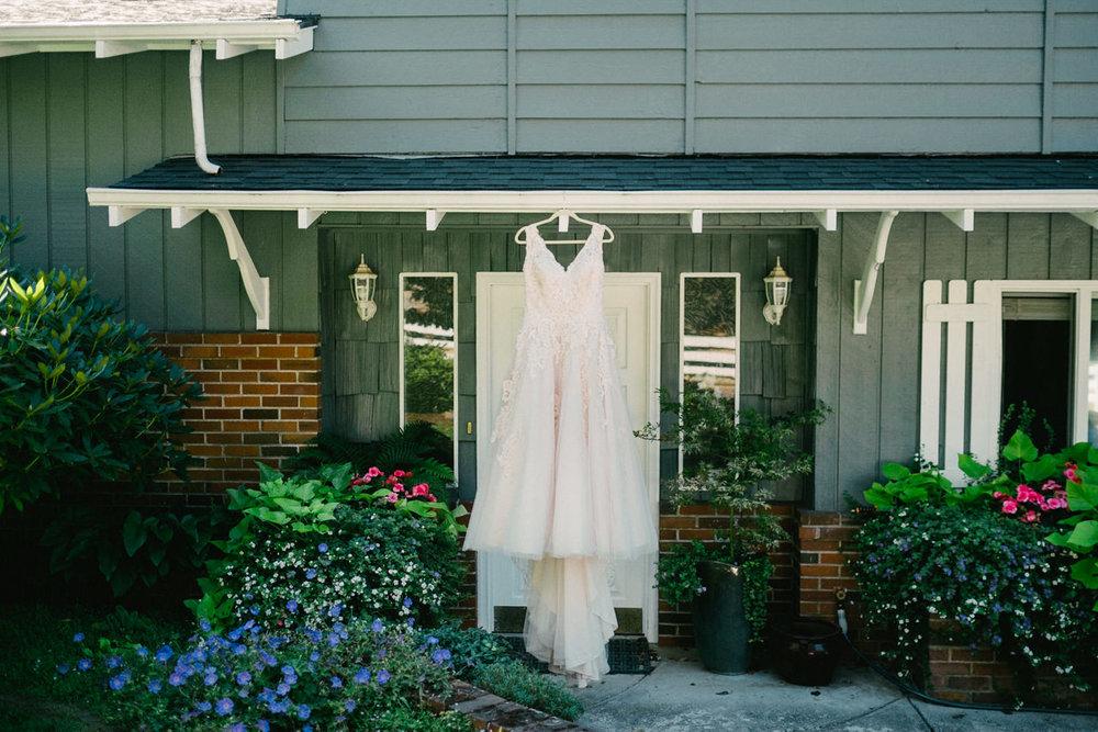 backyard-vancouver-washington-wedding-022.jpg