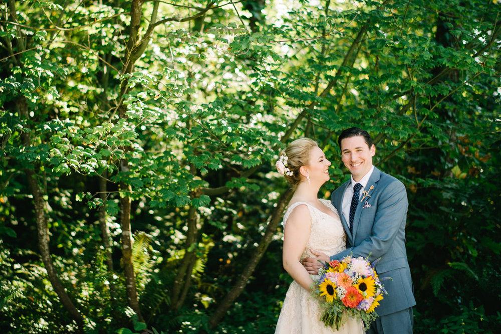 backyard-vancouver-washington-wedding-039.jpg