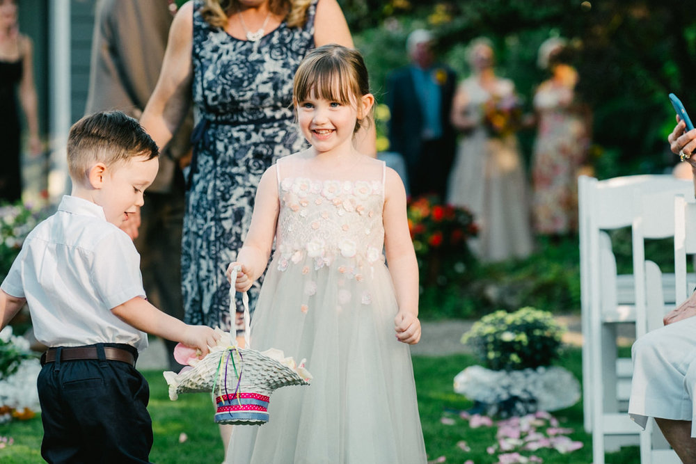 backyard-vancouver-washington-wedding-047.jpg